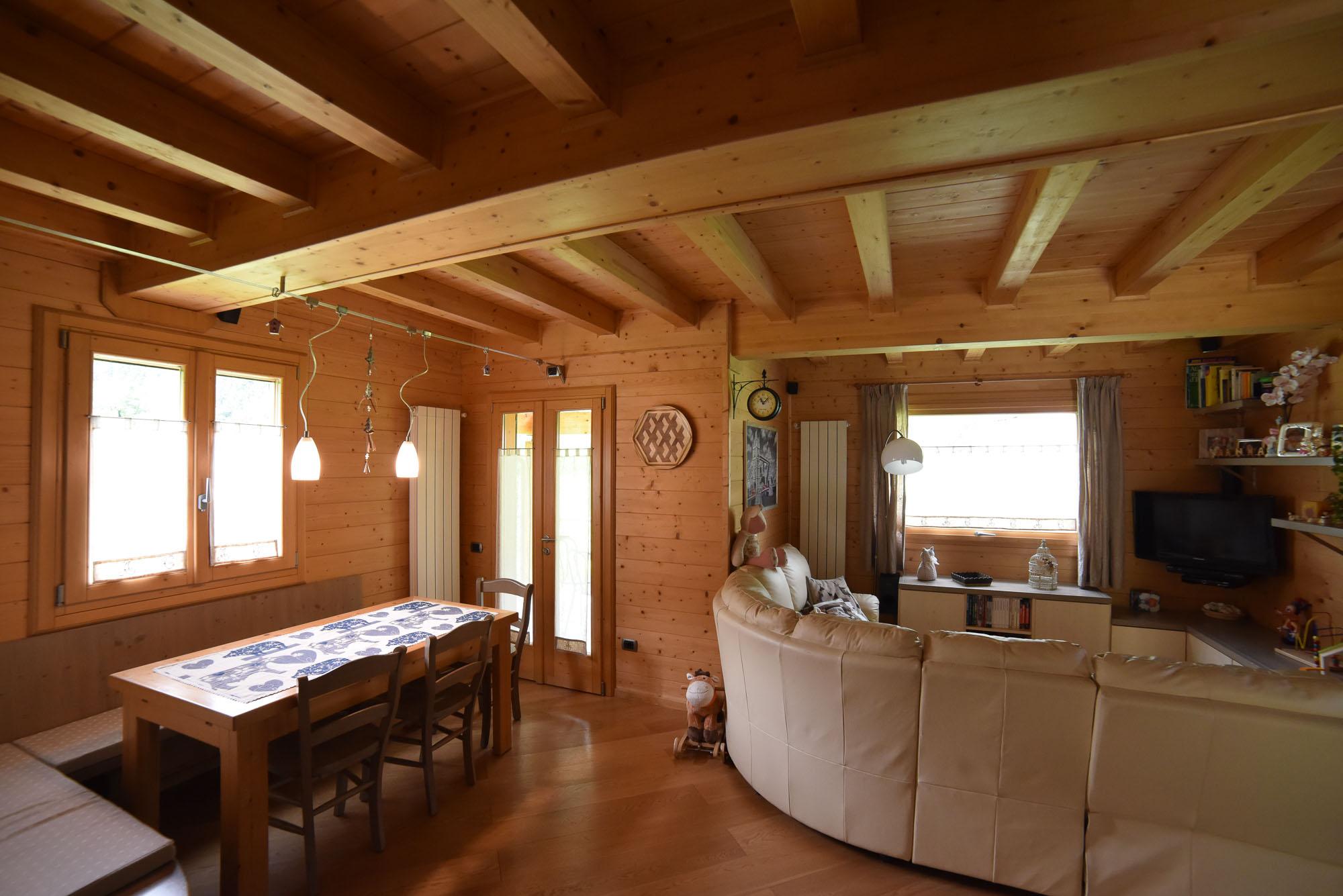 Zona living centurioni 1880 arredamento for Arredo casa facile srl