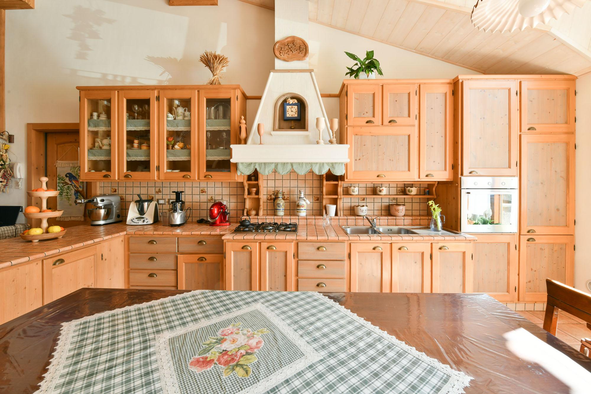 Migliori Cucine Economiche. Cucine In Muratura Moderne Con Isola I ...